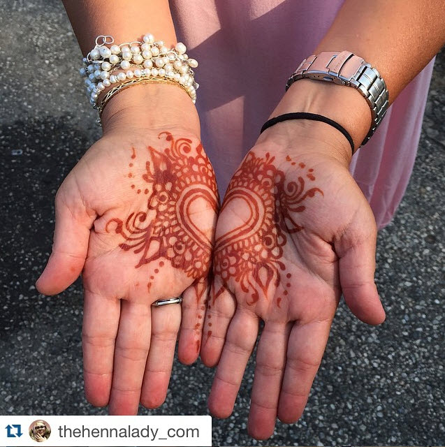 Henna Lady wedding photo